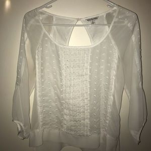 American Eagle white ruffled top